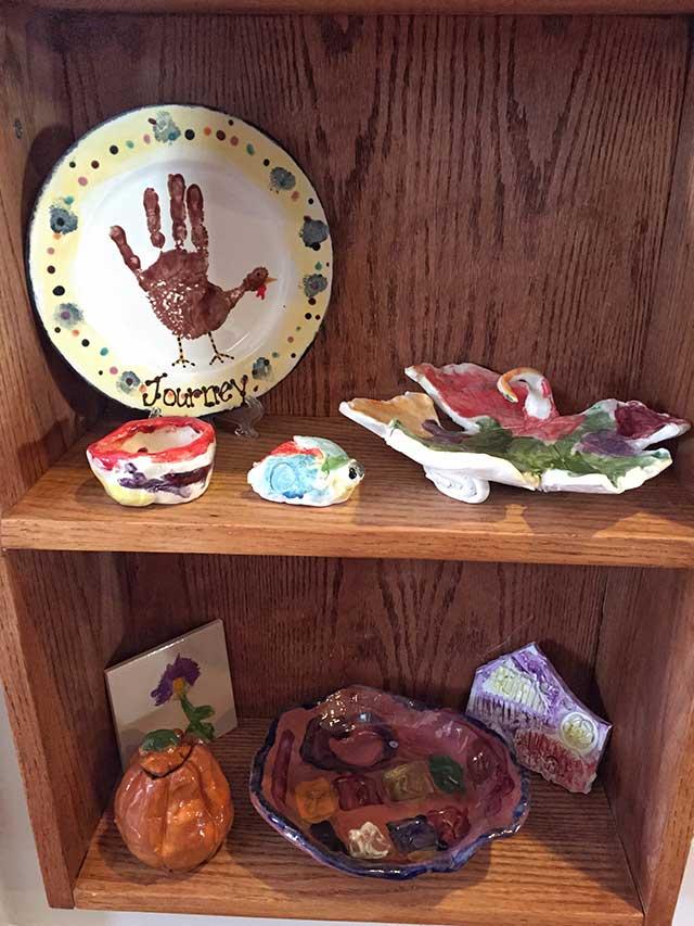 display-kids-artwork-on-shelf