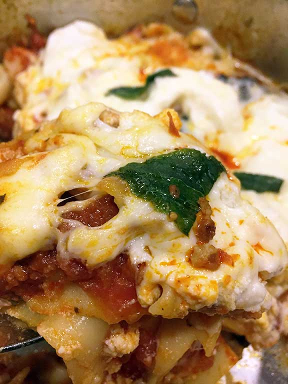 easy-one-pan-skillet-lasagna-recipe