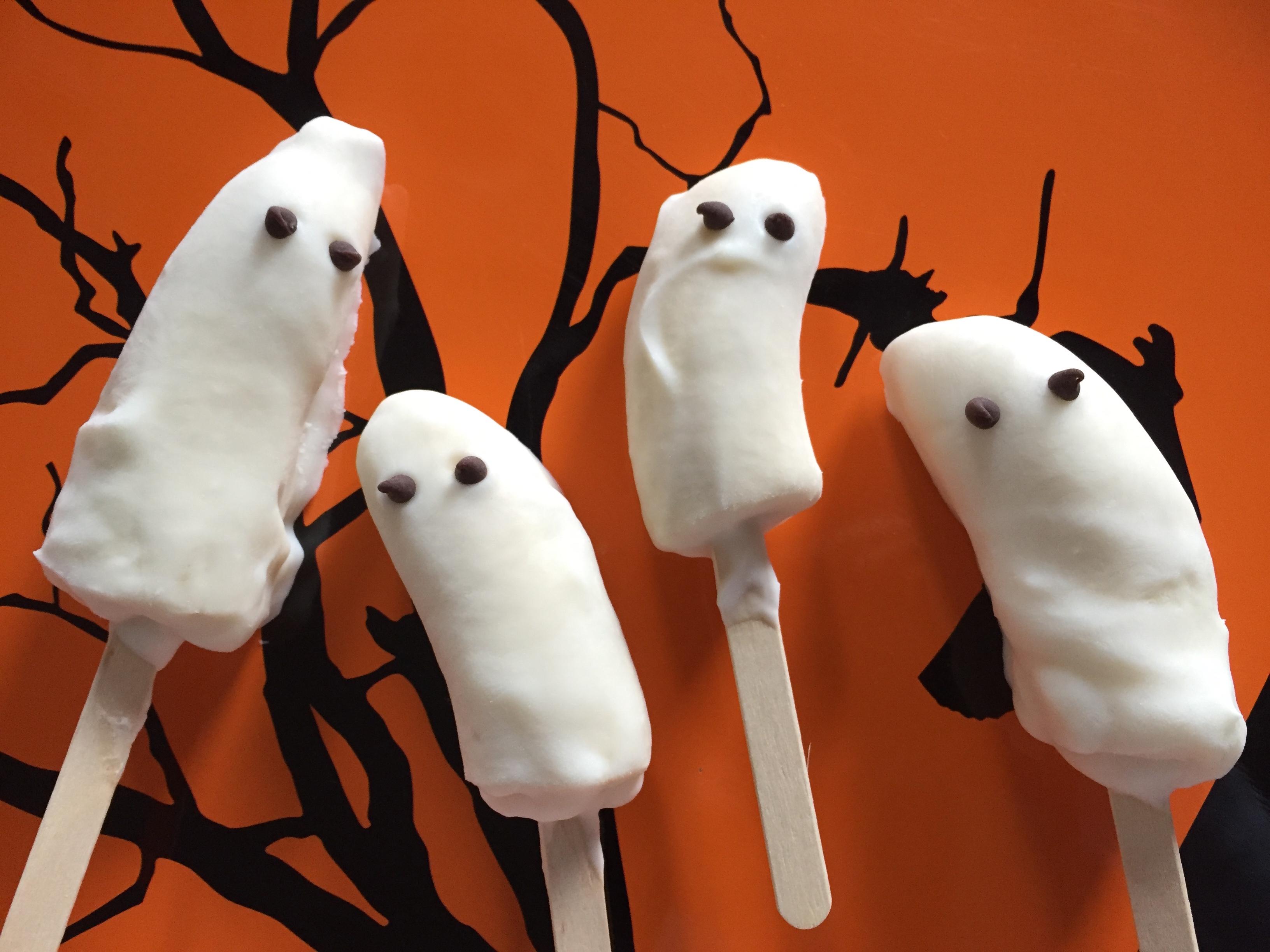 banana-ghost-pops-healthy-halloween-treats