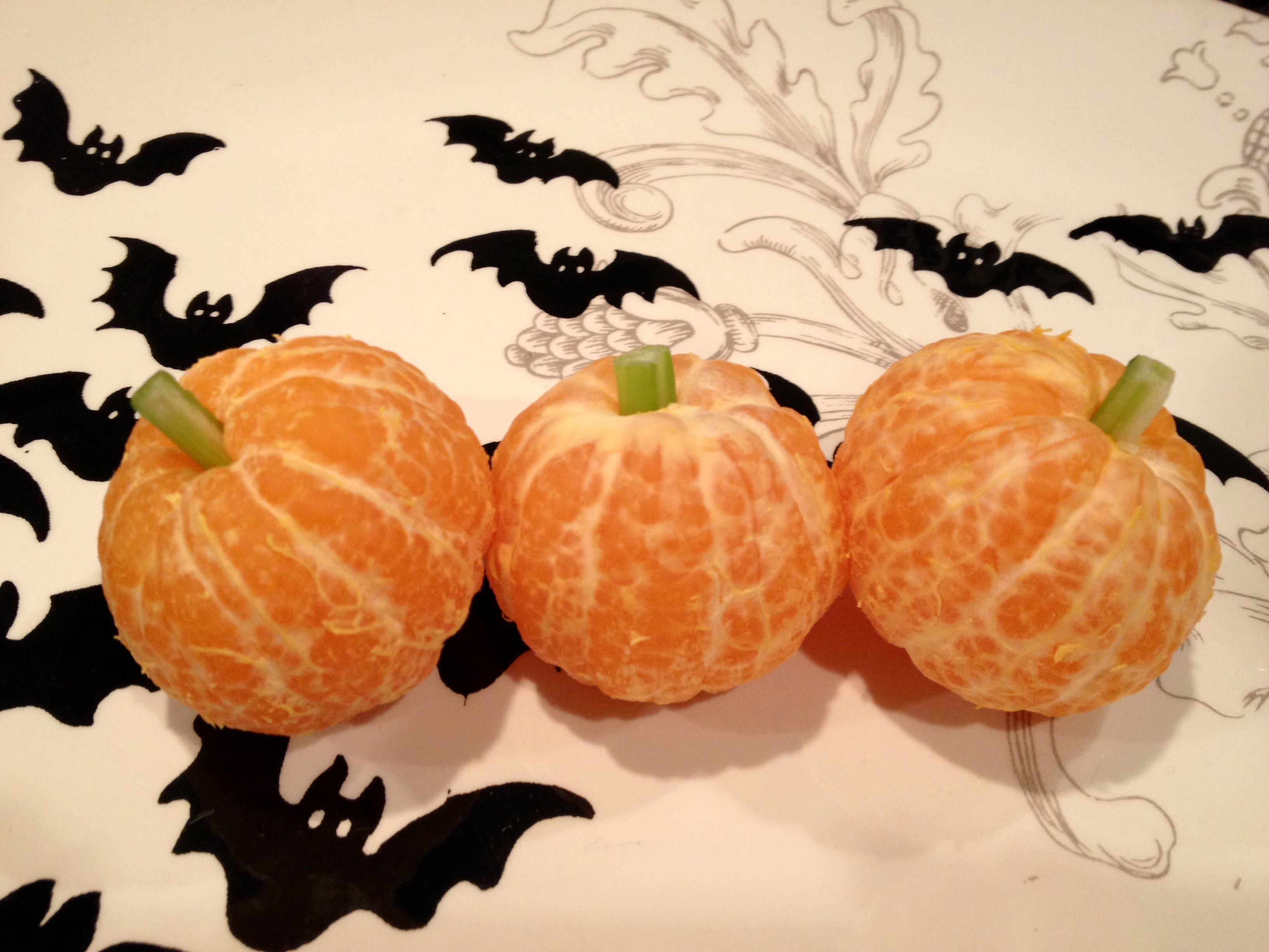 clementine-pumpkins-healthy-halloween-treat
